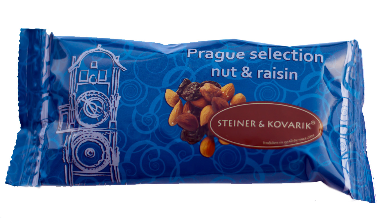   Natural mixture of nuts & raisins